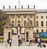 Universidad de Berlín Alemania Humbolt, entrada principal imagen de archivo