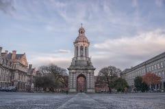 Universidad de la trinidad en Dublín imagenes de archivo