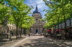 Universidad de Sorbonne en París imagen de archivo