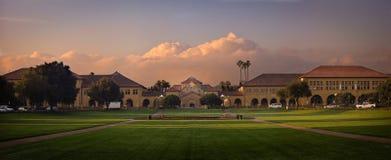 Universidad de Stanford en la salida del sol Imagen de archivo libre de regalías