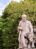 Universidad Dublín Irlanda de la trinidad de la estatua imágenes de archivo libres de regalías