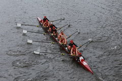 A universidade de Alabama compete na cabeça do campeonato Eights de Charles Regatta Women Fotos de Stock