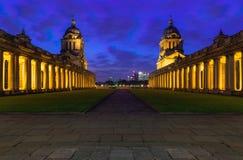 Universidade de Greenwich na noite Imagens de Stock