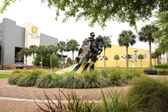 Universidade do cavaleiro de carregamento Statue de Florida central foto de stock royalty free