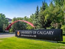 Universidade do sinal da entrada de Calgary Foto de Stock Royalty Free