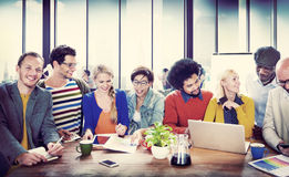 Università degli studenti che impara concetto di comunicazione Immagine Stock