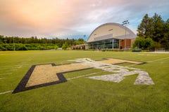 Universität von Idaho-Fußball Haube und von practive Feld Stockfotos