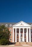 Universitätsgeländegebäude stockbilder