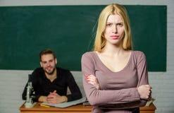 Université d'étude d'homme et de femme Bonne éducation Mentorship et programmes d'enseignement L'éducation apportent l'occasion m photographie stock