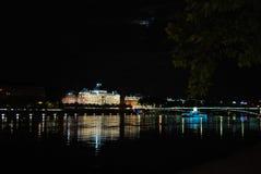 Universitaire Lumiere Lyon 2 bij nacht Stock Fotografie
