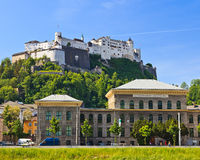 Universiteit en Hohensalzburg Vesting, Salzburg Royalty-vrije Stock Foto's