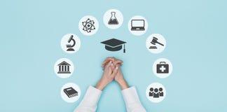 Universiteit en onderwijspictogrammen stock foto