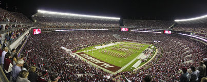 Universitet av Alabama miljon dollarmusikband UA Spellout arkivbild