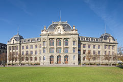 Universitet av Bern Building Facade Royaltyfri Fotografi