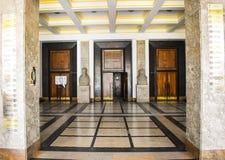Universitet av Bucharest - juridisk fakultetbyggnad - Bucharest, Rumänien - 10 06 2019 royaltyfri fotografi