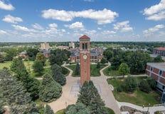 Universitet av den nordliga Iowa campanilen Arkivfoton