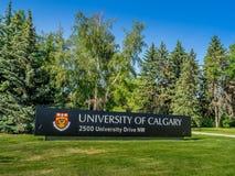 Universitet av det Calgary ingångstecknet royaltyfri bild
