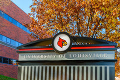 Universitet av det Louisville tecknet Royaltyfri Bild