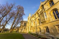 Universitetet av Cambridge är ett college- offentligt forskninguniversitet i Cambridge, England Grundat i 1209 Royaltyfri Fotografi