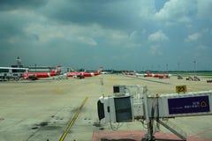 UniversitetslärareMueang internationell flygplats Bangkok thailand royaltyfria bilder