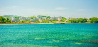 Universitetsområde ryskt Far East federalt universitet-FEFU på för ön, royaltyfria foton