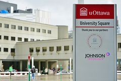Universitetsområdet av universitetet av Ottawa, Kanada Arkivbilder