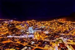 Universitettempel Companiia vår dam Night Guanajuato Mexico Fotografering för Bildbyråer