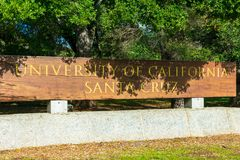 Free University Of California Santa Cruz Wooden Entrance Sign At The Entrance To UCSC Campus Stock Photo - 166916520
