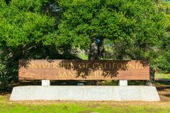 Free University Of California Santa Cruz Wooden Entrance Sign At The Entrance To UCSC Campus Stock Photos - 166916543