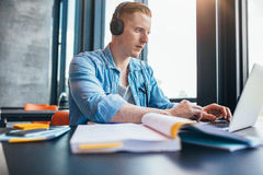 University student studying in library Royalty Free Stock Images