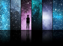 Universum, stjärnor, konstellationer, planeter och en främmande form Royaltyfri Bild