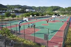 Uniwersytecki boisko do koszykówki w CHINY Zdjęcia Royalty Free