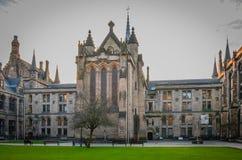 Uniwersytet Glasgow przy zmierzchem, Szkocja Zdjęcia Royalty Free