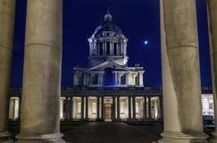 Uniwersytet Greenwich przy nocą zdjęcia stock