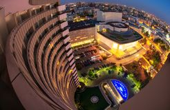 Uniwersyteta kwadrat, Bucharest, Rumunia widok od Międzykontynentalnego hotelu, noc pejzaż miejski zdjęcia royalty free