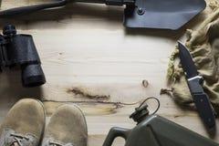 Unkosten der Überlebensausrüstung stockfotografie