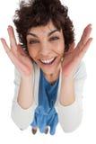 Unkosten der überraschten Frau mit Handbreitem geöffnet lizenzfreie stockfotografie