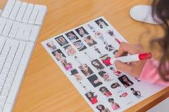 Unkosten des Kontaktblattes, das redigiert wird lizenzfreies stockfoto
