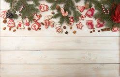 Unkosten des Weihnachtsneujahrsfeiertaghintergrundes Dekoration wi lizenzfreie stockbilder