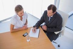 Unkosten von den Geschäftsleuten, die Kenntnisse nehmen stockbilder