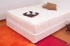 unmade кровать Стоковые Фотографии RF