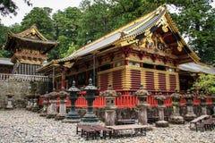 Uno de los almacenes sagrados de Sanjiko, capilla de Toshogu, prefectura de tochigi, Japón imagen de archivo