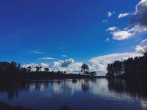 Uno de los lagos hermosos srilanqueses imagen de archivo