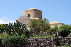 Uno de los muchos churchs en Lipari Imágenes de archivo libres de regalías