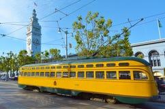 Uno de los tranvías de dos extremos originales de la PCC de San Francisco, adentro Imágenes de archivo libres de regalías