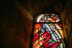 Uno de los vitrales tiró del interior de St Marg imágenes de archivo libres de regalías