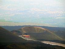 Uno de muchos cráteres del Etna fotos de archivo libres de regalías