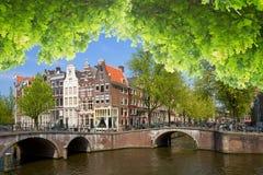 Uno dei canali a Amsterdam, l'Olanda Immagini Stock