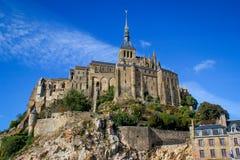 Uno dei posti più famosi in Francia britannica è l'abbazia medievale del Saint Michel - un monastero immagine stock libera da diritti