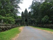 Uno dei quattro cancelli principali delle tempie di Angkor Wat fotografia stock